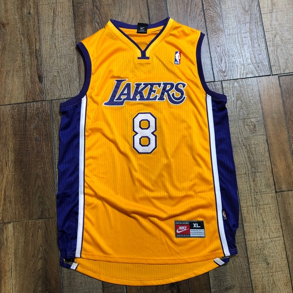 bbff13c02 NEW Kobe Bryant LA Lakers Retro Nike Jersey XL 🔥.  M_5cb9130ad1aa25a0c0bcf5a4